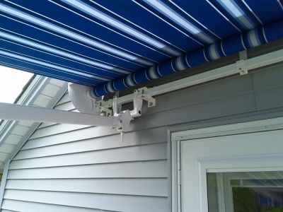 retractable awning, close up